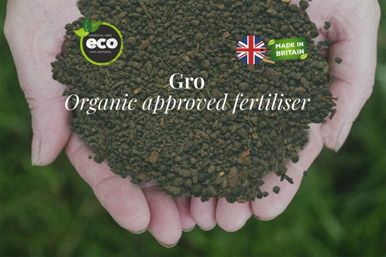fertilier-in-hands